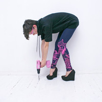 So easy- navy blue leggings with pink print