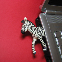 Hemingwayfun: Zebra 4GB USB Flash Drive, at 17% off!