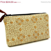 BLACK FRIDAY SALE 30% off Zippered pouch in cream lace, Padded makeup bag, Travel cosmetic pouch, Large cosmetics bag
