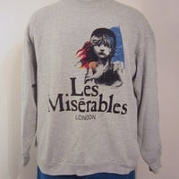 Vintage Amazing 1986 LES MISERABLES LONDON Play Movie Christmas Gift Theater Poly-Cotton Oversized Slouchy Women Crewneck Sweatshirt