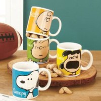 Amazon.com: Set of 4 (four) Classic Peanuts Characters Coffee Mugs Charlie Brown, Lucy, Linus, Snoopy: Kitchen & Dining