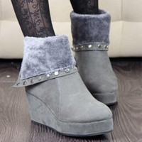 Super Soft Rivets Adorned Gray Wedge Boots Wholesale : Wholesaleclothing4u.com