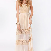 Splendor&#x27;s Game Cream Lace Maxi Dress