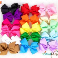 Amazon.com: Ema Jane - Cute Set of 16 Assorted Boutique Quality 'Ema Jane' Grosgrain Baby Hair Bow Clips (Headbands Not Included) - Perfect for Girls, Youth, Toddlers, Newborns: Clothing