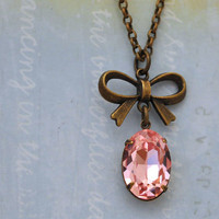 VINTAGE SPARKLES vntage Swarovski pink necklace with bow in antiqued brass