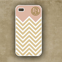 Monogrammed iPhone case -  Soft pinkey purple and golden chevron - personalized Iphone 5 case, Iphone 4 case (9875)