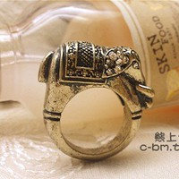 Cute vintage elephant ring-only 3 in stock