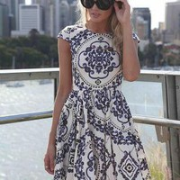 Paisley Print Sleeveless Dress with High Neckline&Cap Sleeve