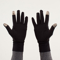 brisk run gloves | women's scarves, mitts and toques | lululemon athletica