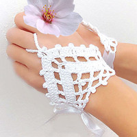 White Wedding Crochet Fingerless Gloves, Mittens, Hand jewelry, Lace heart, Victorian, Sexy, Lolita, Yoga, Bracelet , Dance, Steampunk