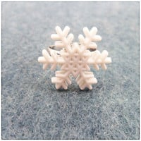 Snowflake Button Ring Winter Adjustable by PeriwinkleParadise