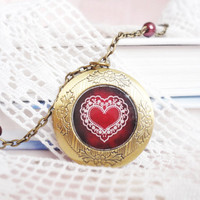 Red heart locket necklace - Vintage jewelry