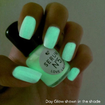 Day Glow 15ml Glow in the Dark Nail Polish