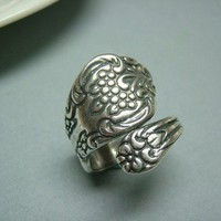 Vintage Inspired Antique Silver Spoon Ring IV by yakarina on Etsy