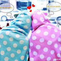 Dotted Couple Cape Blanket