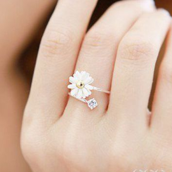 Lovely Small Chrysanthemum Flower Ring at Online Cheap Fashion jewelry Store Gofavor