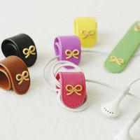 Ribbon Earphone Holder