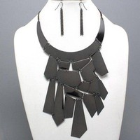 LUSTROUS Black Armor Bib Metal Design Statement Chunky Art Necklace Set Uniklook