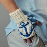 $30.00 Nautical Fingerless Gloves by elde on Etsy