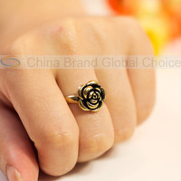 Ablaze Variable Gold-filled Ring with Rose Shaped Adornment (Golden)