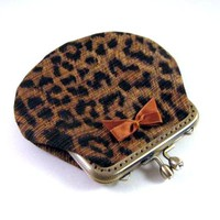 Leopard Frame Pouch With Brown Sati.. on Luulla