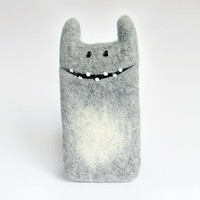 iPhone 4 case, felt case, light gray, cozy monster case, eco-friendly
