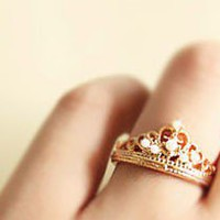 Elegant Pearl Crown Ring from LOOBACK FASHION STORE