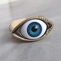 Mysterious eye shape ring