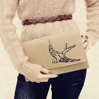 Navy Bird Beige Clutch READY TO SHIP by mojospastyle on Etsy