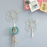 Wire Hibiscus Flower Hook