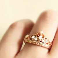 Fashion Rhinestone Crown Ring  from http://www.looback.com/