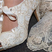 REGENCY Lace Bridal vintage Victorian style white shoes  -  decorated with lace, pearls, swarovski crystals - perfect for wedding