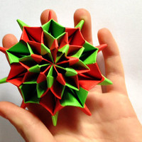 Origami Christmas Firework: Red and Green