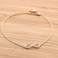 simple INFINITY bracelet, in gold | girlsluv.it