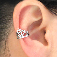 Vintage crown ear clip   from looback