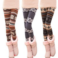 Fashion Stripe Snowflake Leggings from LOOBACK FASHION STORE
