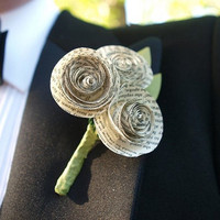 Bad-ass boutonnieres | Offbeat Bride