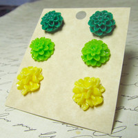 Flower Stud Set Green & Yellow Mum Chrysanthemum and by EbonFlow