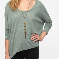 Urban Outfitters - Daydreamer LA Long-Sleeved Peaked Hem Tee