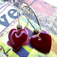 Dark Red Heart Earrings, Enamel Ear.. on Luulla