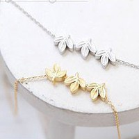 Lovely Triple Leaf Chain Necklace at Online Cheap Fashion Jewelry Store Gofavor