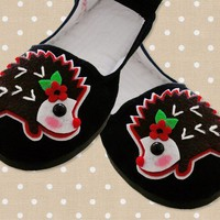 Hedgehog Mary Jane Shoes size 7 by emandsprout on Etsy