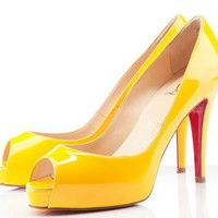 Christian Louboutin Very Prive 100mm Poussin Pumps [2011121601] - $182.00 : Christian Louboutin Shoes Sale, Enjoy 77% Off On Designer Outlet