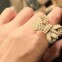Pearl Dots Bow Ring