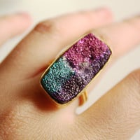 Titanium Agate Druzy Ring  Rectangular Cut  Fuschia Blue by OhKuol