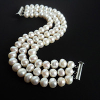 Milky White Pearl Bracelet by Lunarpearl on Etsy