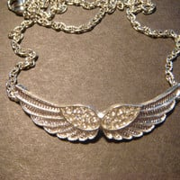 Rhinestone Angel Wing Necklace in Silver (807)