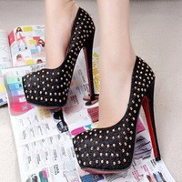 Rivet Platform Pumps