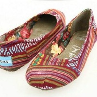 Toms ballet flat shoes / Red print / Size 8