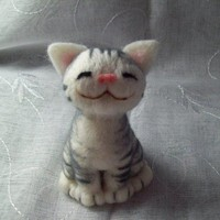 Neko by HandmadeByNovember on Etsy
